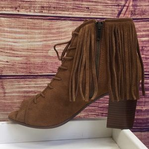 Steve Madden Brown Suede Fringe Lace Up Booties